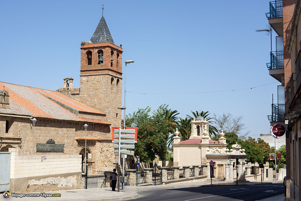 La basilique, avec devant la chapelle, surnommée Hornito, c'est à dire le petit four. C'est une référence directe au martyr de Sainte Eulalie, brûlée vive.