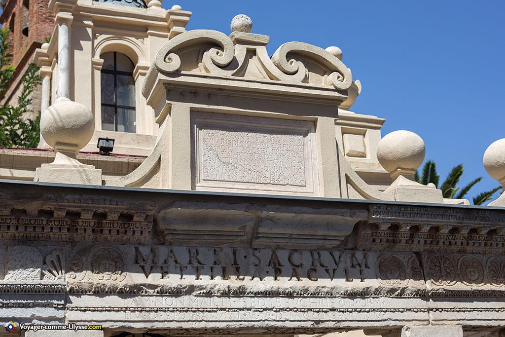 L'inscription ne laisse aucun doute : il s'agit bien de vestiges du temple de Mars.