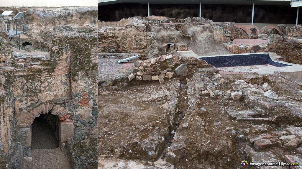 A gauche, un puits de neige. A droite, les thermes. On distingue un bassin, une canalisation...