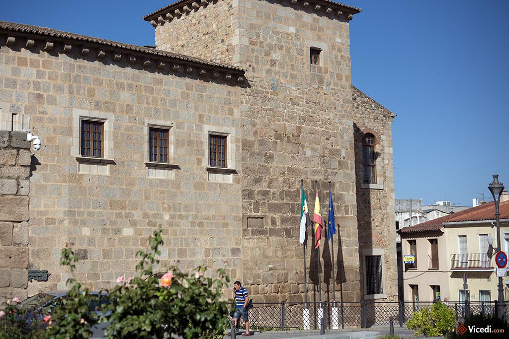 Ancien prieuré de l'ordre de Santiago, aujourd'hui siège de la présidence de l'Estrémadure.