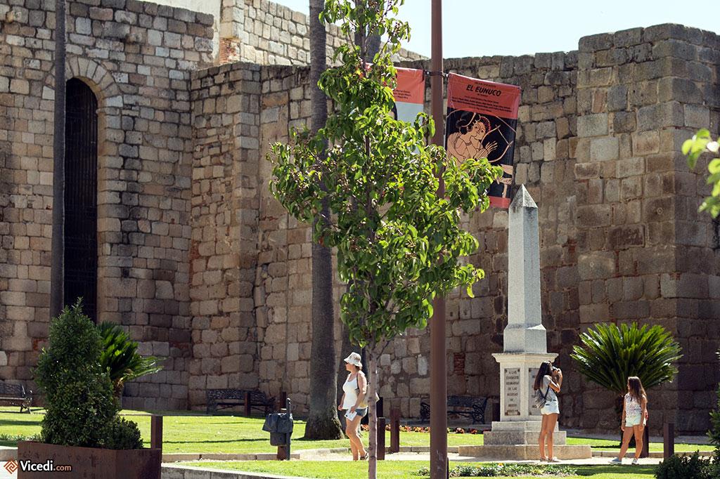 L'obélisque est un monument en l'honneur de toutes les villes nommées Mérida dans le monde.