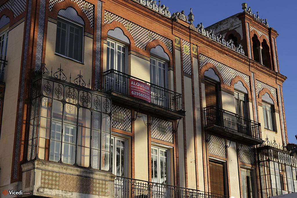 Bel exemple d'architecture néo-mudéjar.