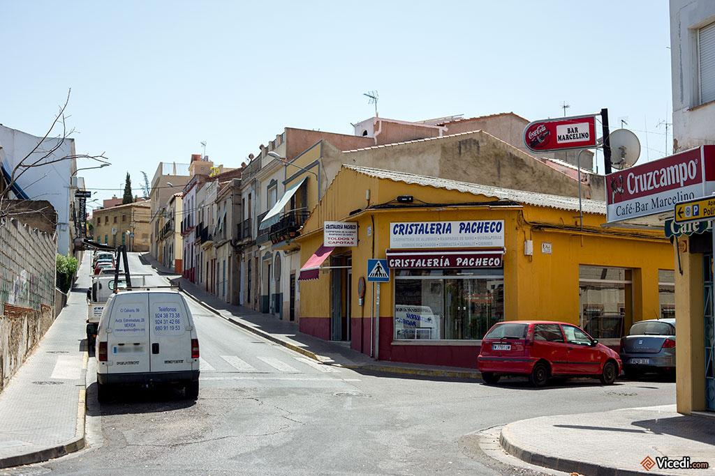 Les rues de Mérida sont en général calmes. Sans doute parce qu'il n'y a pas de grands immeubles, ce qui réduit forcément le nombre d'habitants au km².