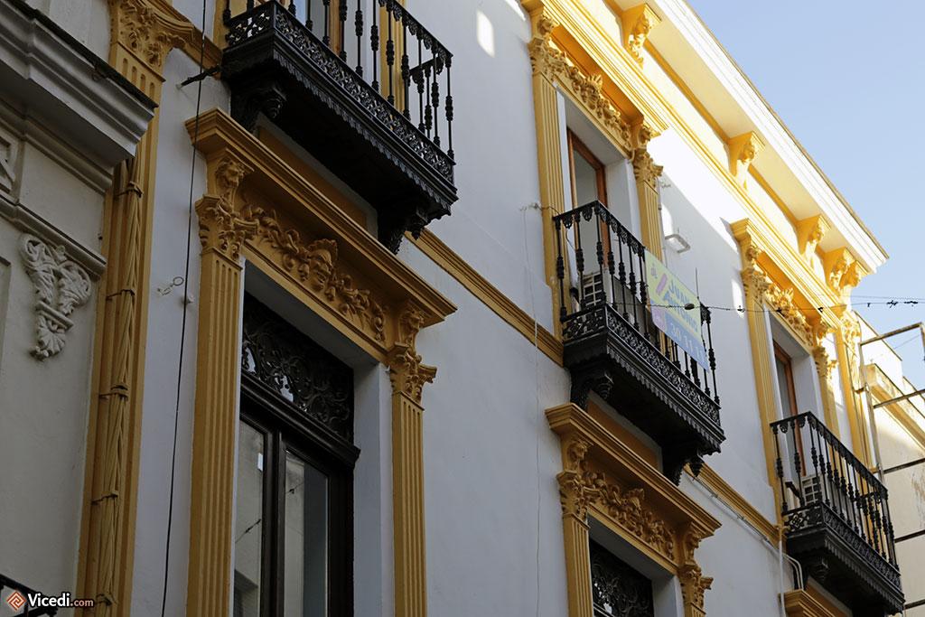 Ce que l'on retient, à Mérida, ce sont ces belles couleurs vives qui rehaussent les détails architecturaux.