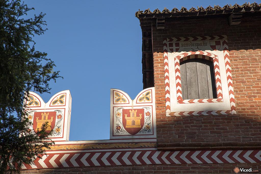 Détail des murs peints du Borgo.