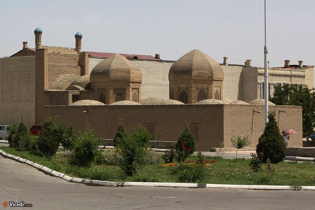 La mosquée, vue de derrière