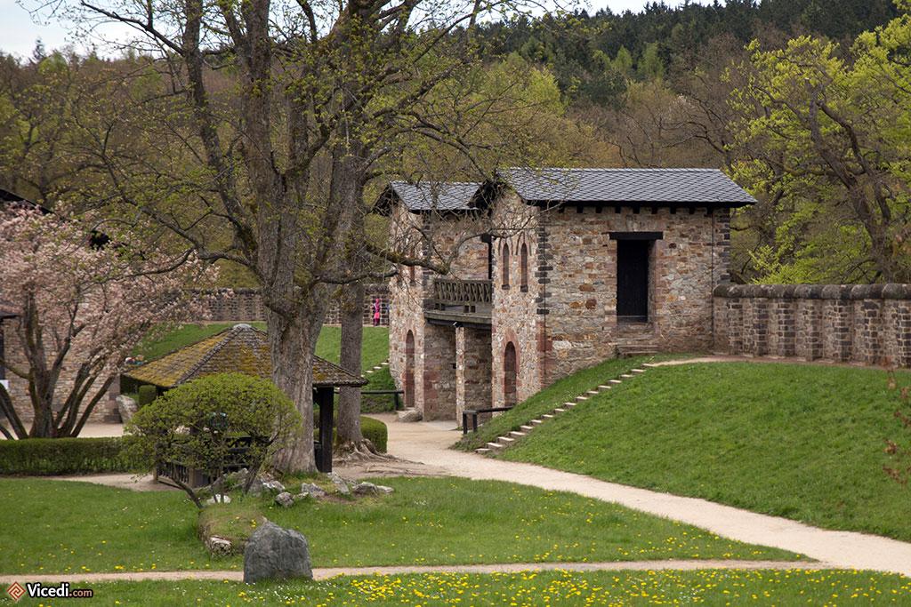 La porte du prétoire, la porte principale, vue de l'intérieur.