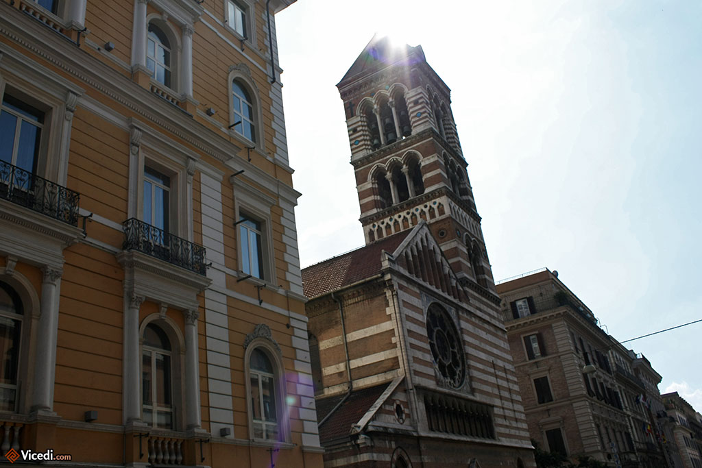 Rome est la ville des églises. Il y en a plus de 900 !