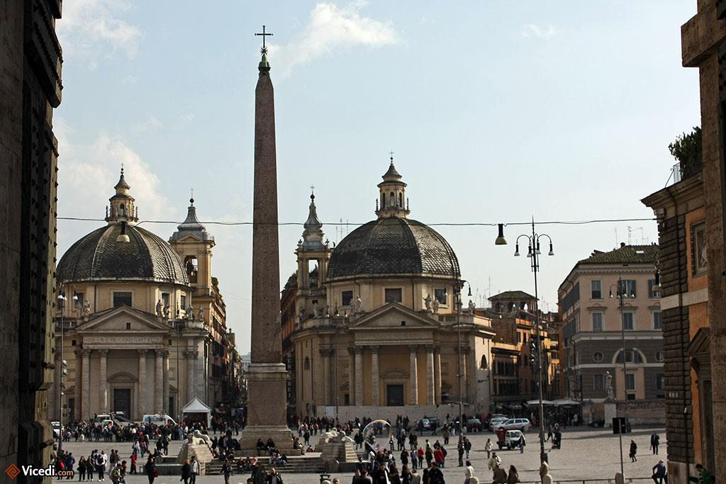La Piazza del Popolo, avec son obélisque égyptien et ses églises jumelles.