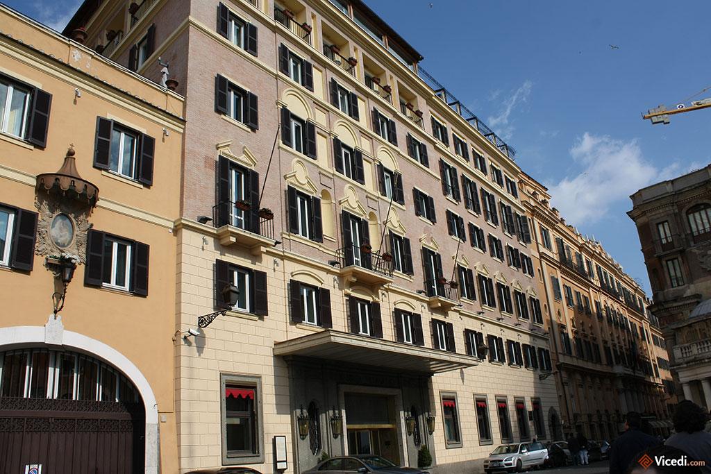 Un quartier luxueux de Rome, avec cet hôtel 5 étoiles situé sur la Piazza Trinità dei Monti.