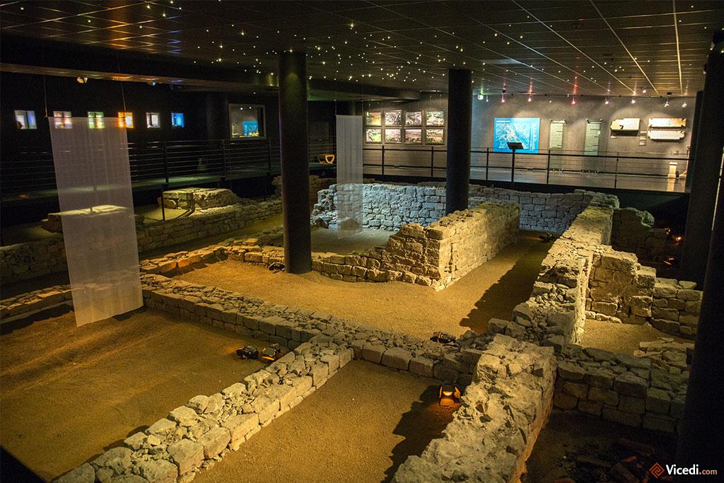 Les ruines souterraines, bien mises en valeur.