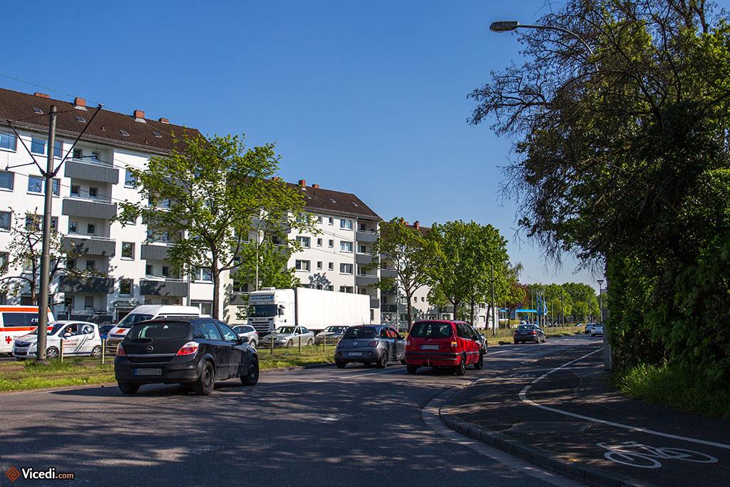 D'autres quartiers de Mayence ressemblent simplement à une banlieue avec ses HLMs, sans personnalité.