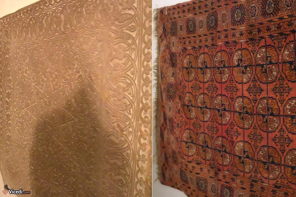 Les célèbres tapis d'Asie Centrale à pattes d'éléphant sur la droite. A gauche, certaines gravures sur marbre s'inspirent des tapis.