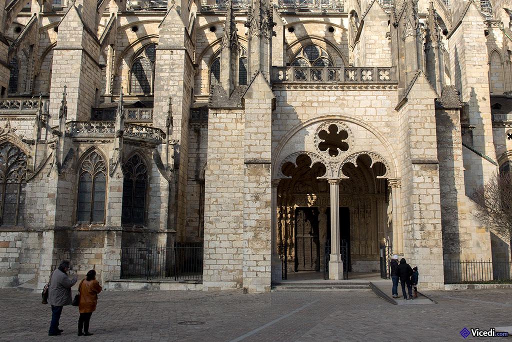 Porche et portail sud