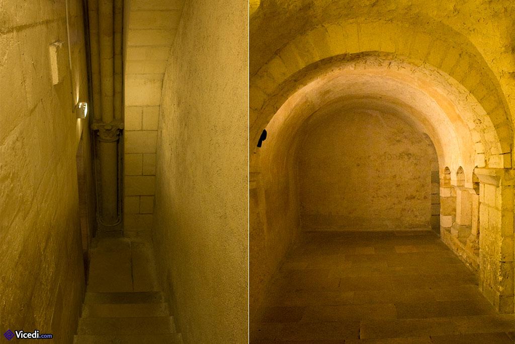 Ancienne crypte, datant probablement de l'édifice de Gauzlin. On y accède par l'église basse.