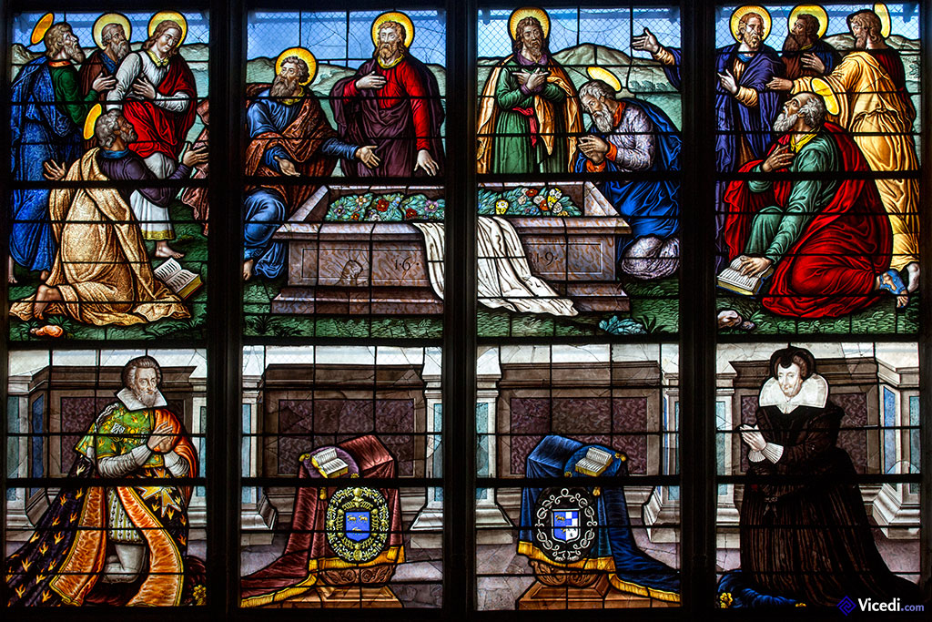 vitraux de la chapelle des fonts baptismaux