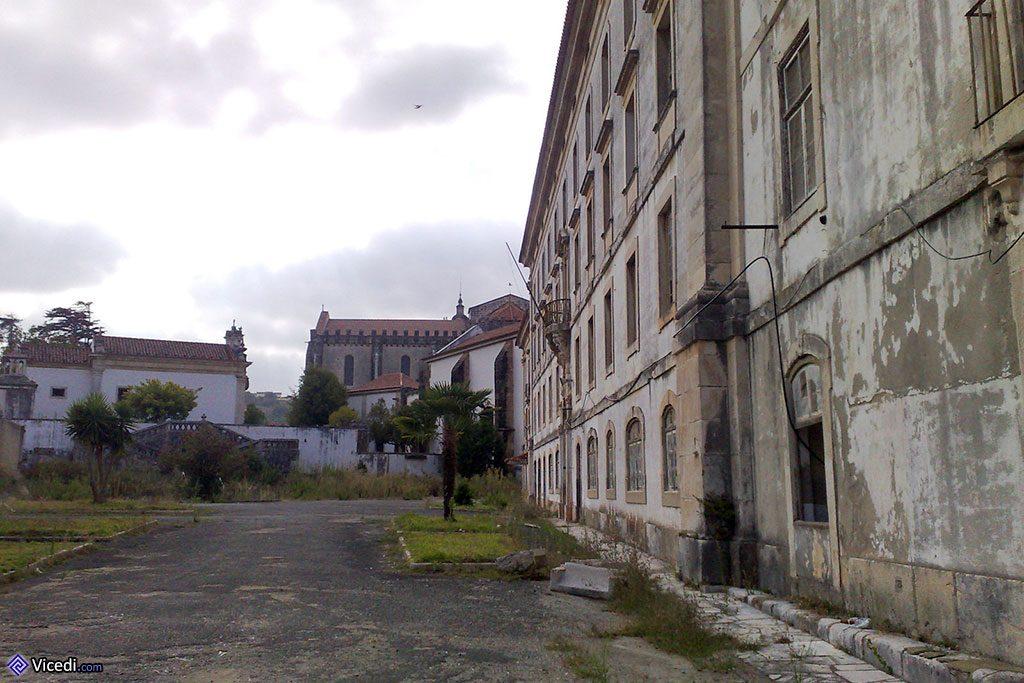 Le monast re d 39 alcoba a tombeau de la reine morte - Office tourisme portugal paris ...
