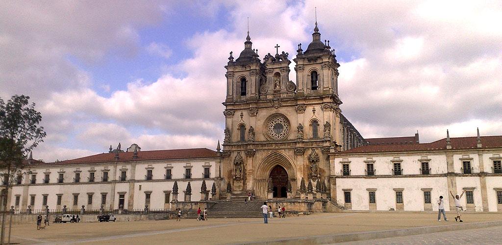 Le Monastère d'Alcobaça, tombeau de la Reine Morte