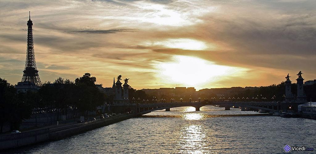 Coucher de soleil sur le Pont Alexandre III