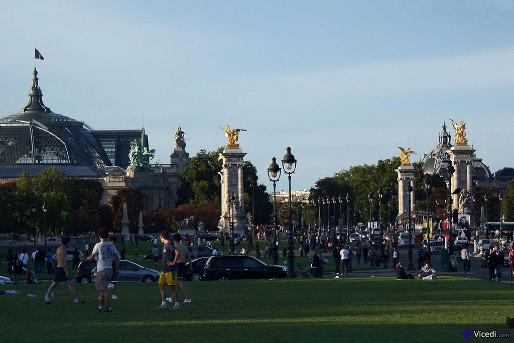 Des Invalides au Grand Palais