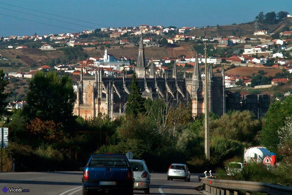 Route nationale passant par Batalha