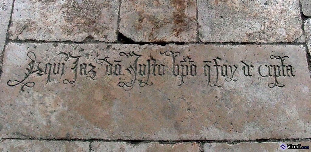 Tombeau de l'évêque de Ceuta, par terre