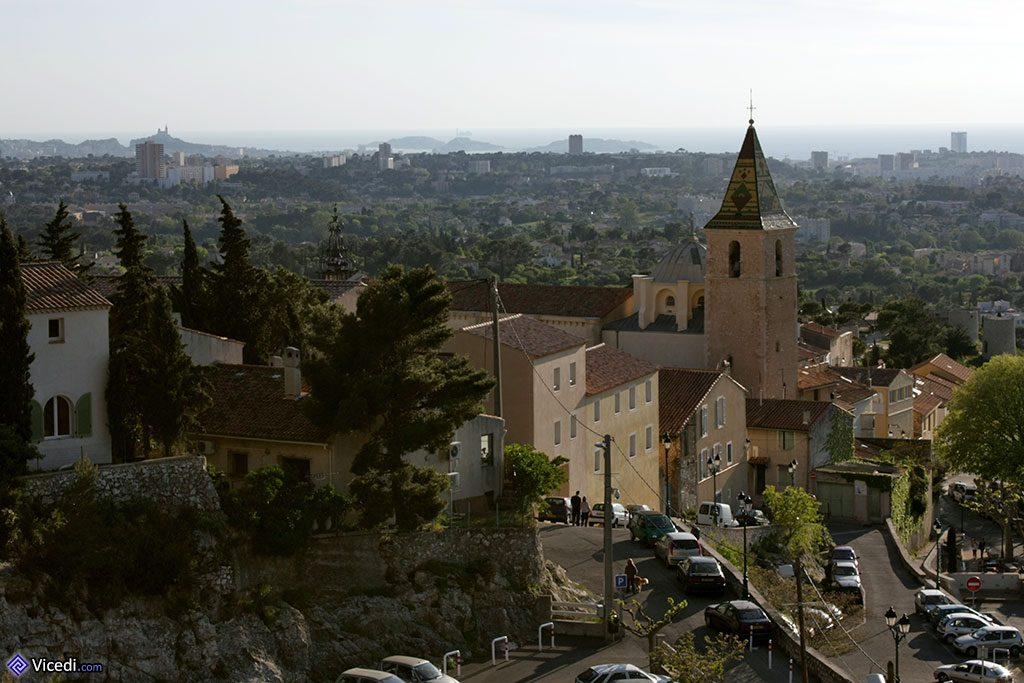 Paysage panoramique sur Allauch et Marseille.