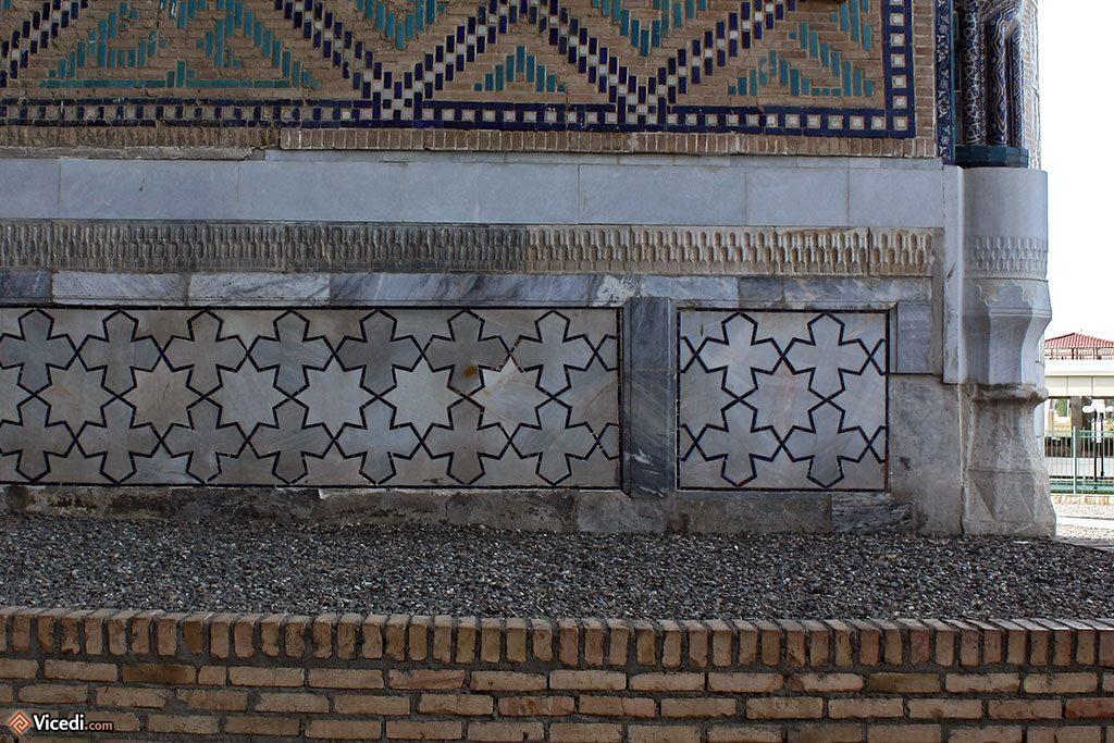 Eléments géométriques décoratifs de Bibi Khanoum.
