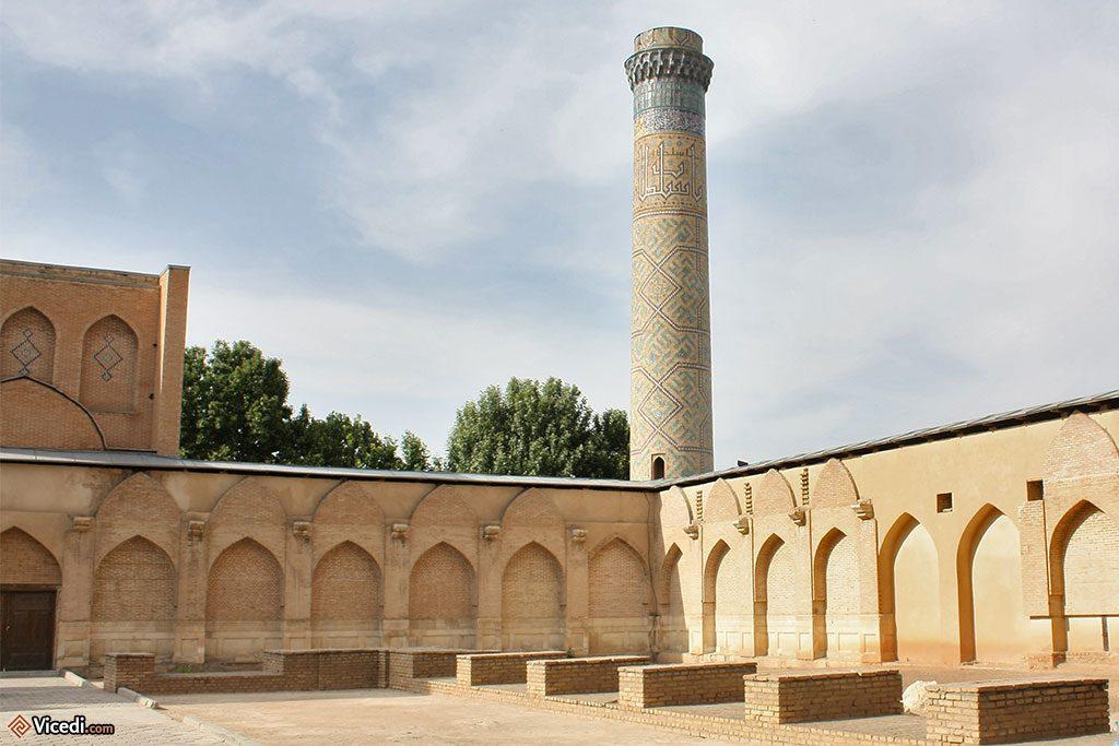 Cour de la mosquée Bibi Khanoum