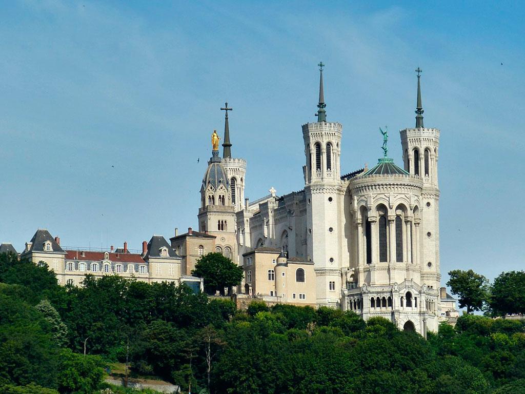 Basilique Notre Dame de Fourvière, vue de la Saône.