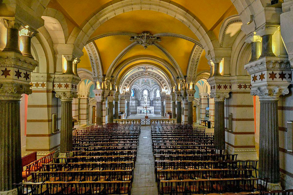 église basse de la basilique de Fourvière